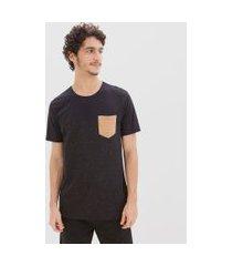 camiseta com recorte e bolso em suede | blue steel | preto | g
