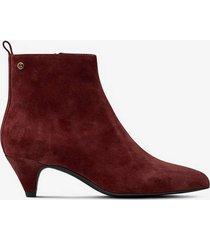 boots malva