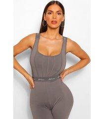 woman body met streep en naaddetails, grijs