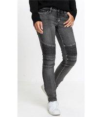 skinny jeans in biker style