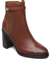 block branding high heel boot shoes boots ankle boots ankle boot - heel brun tommy hilfiger