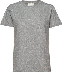printed single org trenda p t-shirts & tops short-sleeved grå mads nørgaard