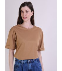 t-shirt feminina mindset alongada manga curta decote redondo caramelo