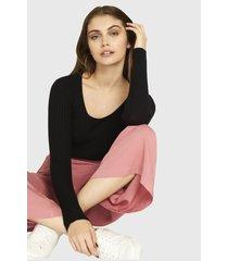 sweater ajustado trenzado negro nicopoly
