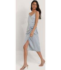 na-kd trend kjol med knytning - blue