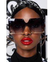 akira rodeo drive oversized sunglasses