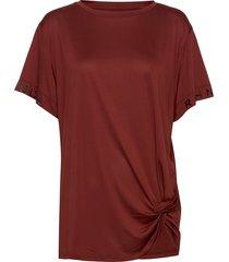 knot tee t-shirts & tops short-sleeved röd röhnisch