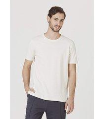 camiseta hering bã¡sica manga curta em malha sustentã¡vel reuse off white - off-white - masculino - dafiti