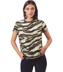 camisa en tejido plano estampado camuflado y cuello tejido