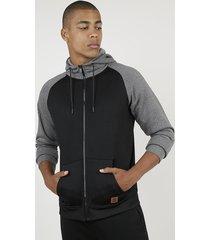blusão masculino raglan em moletom felpado com capuz e bolsos preto