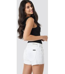 calvin klein mid rise weekend shorts - white