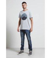 t-shirt escotilha masculina - masculino