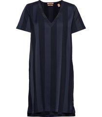 v-neck dress in tonal stripe knälång klänning blå scotch & soda