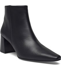 remi black leather shoes boots ankle boots ankle boot - heel svart flattered