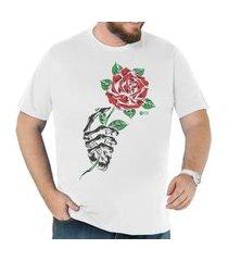 camiseta plus size canal cnl branca rose skull