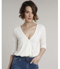 blusa feminina ampla canelada transpassada manga 3/4 decote v off white