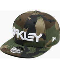 gorra oakley mark ii novelty snap back core camo