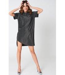 hannalicious x na-kd glittery tee dress - black