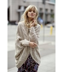 beżowy sweter oversize lima