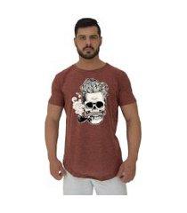 camiseta longline alto conceito caveira com cachimbo nuno marrom