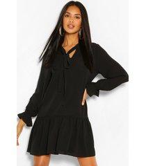 loshangende jurk met losvallende zoom en strikje, black