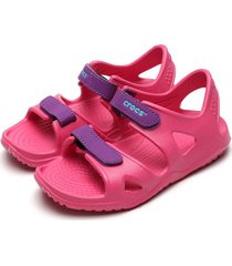 papete crocs menina swiftwater river sandal k rosa