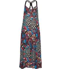 carissa macrame maxi dress maxiklänning festklänning multi/mönstrad superdry