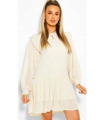 jurk met lage schoulders en ruches, gebroken wit
