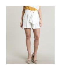 short feminino midi alfaiatado com faixa e bolsos off white