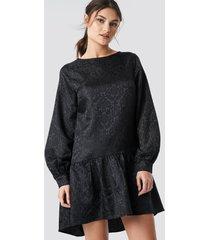 na-kd party dip hem jacquard dress - black