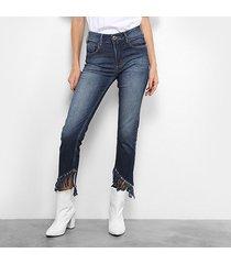 calça jeans forum marisa cropped desfiada feminina