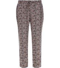 pantalon suelto animal print color café, talla 8