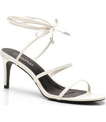sandalen met dunne bandjes en lage hakken, wit