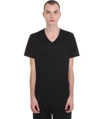 theory claey v plaito t-shirt in black silk