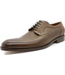 zapato marrón pato pampa picado dario