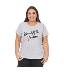 t-shirt feminina com estampa escrita cinza