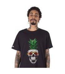 camiseta   stoned pineapple skull preta
