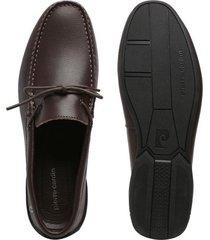zapatos mocasines para hombre marca pierre cardin color café pierre cardin - marrón