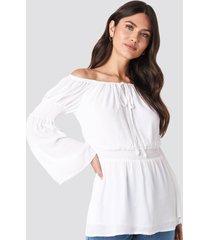 julia wieniawa x na-kd off shoulder smocked blouse - white