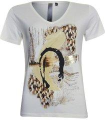 ivoorwit artwork t-shirt