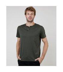camiseta masculina básica manga curta gola portuguesa verde militar