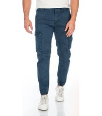 pantalon azul cargo bolsillos laterales y solapa en trasero