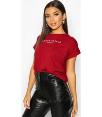 amour fatale french slogan t-shirt, wine