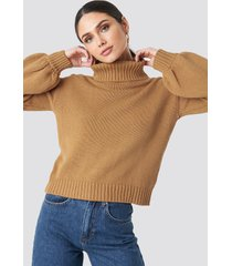 na-kd balloon sleeve high neck knitted sweater - beige