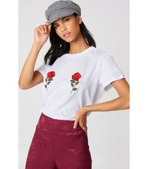 na-kd flower embroidery tee - white