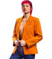 blazer para dama color tabaco con botones plateados y bolsillos con solapa