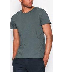 filippa k m. roll neck tee t-shirts & linnen stone