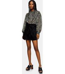 black utility shorts - black
