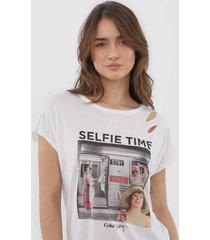 camiseta coca-cola jeans assimã©trica branca - branco - feminino - viscose - dafiti