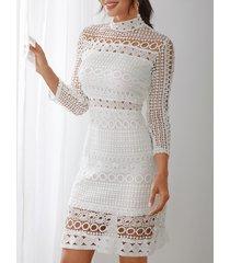 corte de encaje blanco diseño alto cuello manga larga vestido